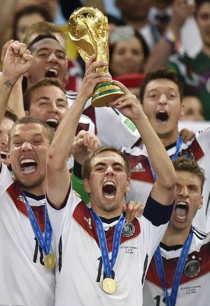 Lahm se retira de la selección alemana