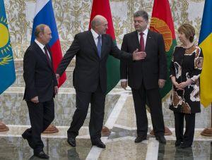 Tensa reunión entre presidentes de Rusia y Ucrania
