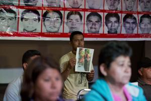 Cuestionan versión sobre muerte de 43 estudiantes mexicanos