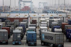 Bottleneck at California ports punishing retailers