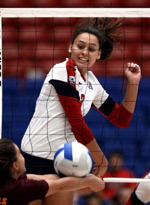 Arizona sand volleyball: Walker hits the beach to build program