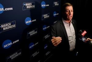 Hansen's Sunday Notebook: Arizona AD Dave Heeke joins Wildcats at NCAA Tournament