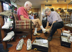 Tucson's Dee's Shoes closing after 60 years
