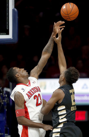 Arizona Wildcats roll to 101-64 win over Oakland