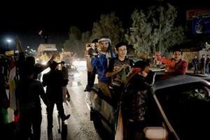 Rebeldes sirios llegan a Kobani desde Turquía