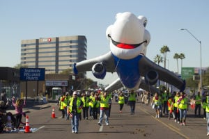 Fiesta Bowl parade shows its SW spirit