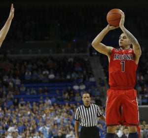 Arizona Wildcats hold off UCLA to win 79-75