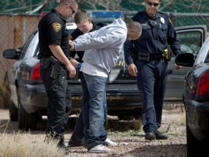 Tucson police identify 2 bank robbery suspects involved in chase