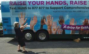 Activistas de falda larga en pro de la reforma