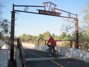 Human-powered traffic flows along river trails