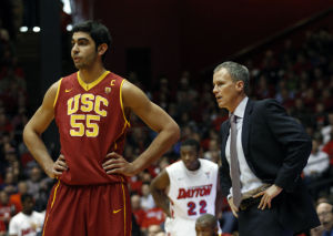 Slumping Trojans stand in way of UA's quest for record