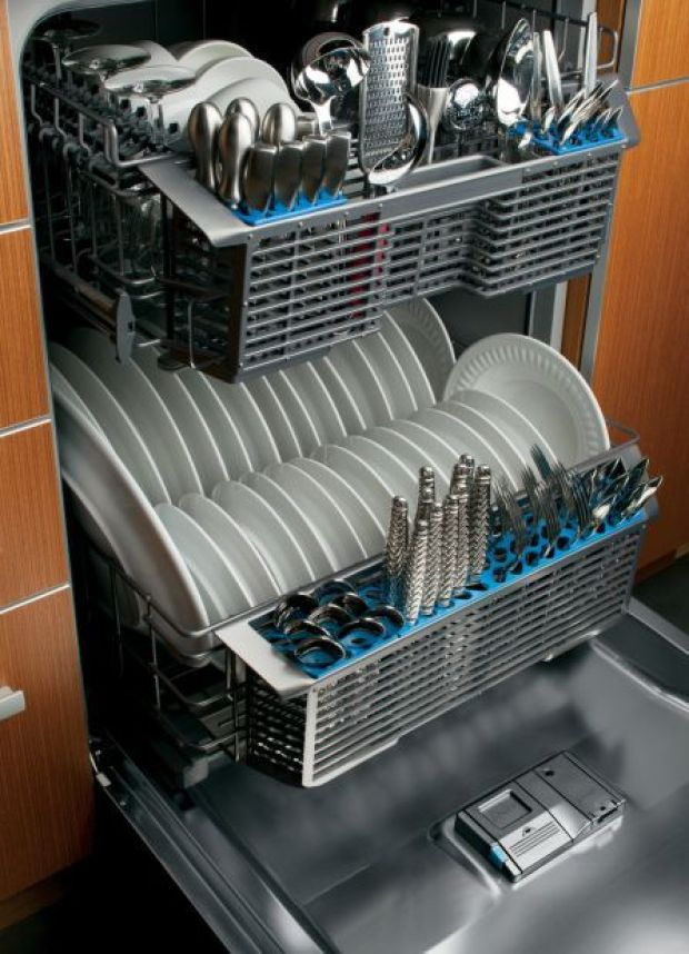 Fixing a leaky dishwasher requires appliance repair company