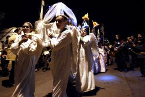 Las Posadas procession honors biblical story