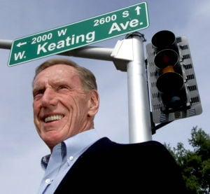 Phoenix financier Keating, of 'Keating 5' scandal, dies at age 90