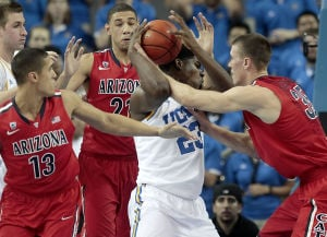 UA basketball: Inspired by Johnson, Wildcats hang on in LA to tie best-ever start