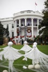 White House and Obamas prepare for trick-or-treaters