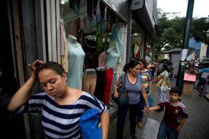 Venezuela batalla obesidad a falta de buena comida