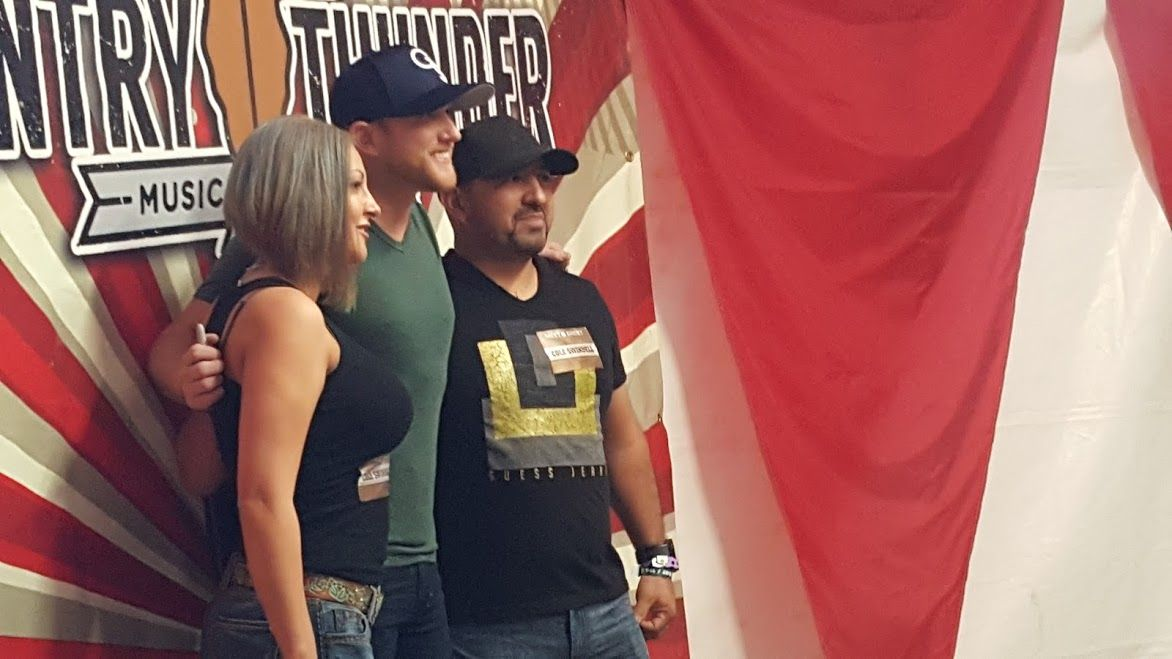 country thunder meet and greet