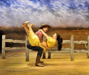Review: 'Oklahoma!': Oh, what a beautiful production by ART