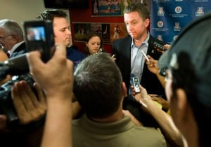 Arizona AD: Stoops is out as head coach