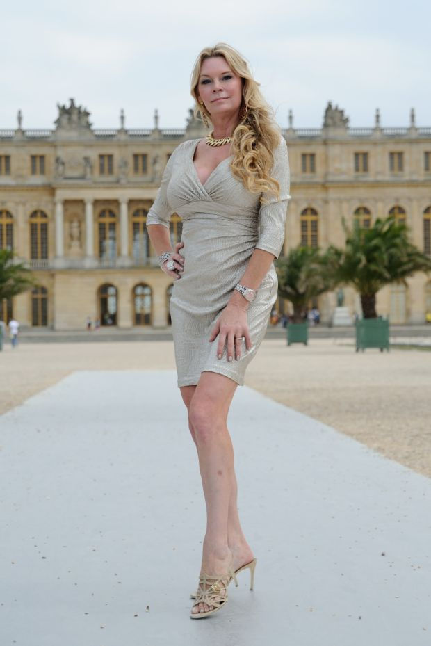 39 queen of versailles 39 resumes building 90 000 sq ft palace for Queen of versailles