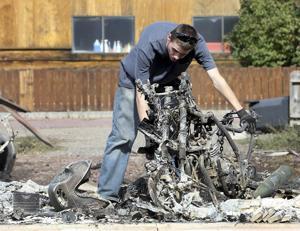 Incendio arrasa pueblo maderero en California