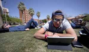 Incoming UA freshmen get 4-year tuition freeze