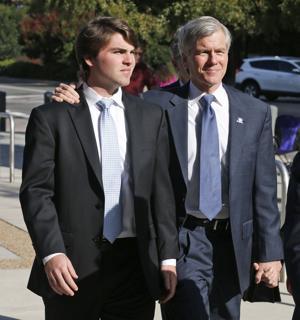 Virginia: Jurado delibera en caso de ex gobernador