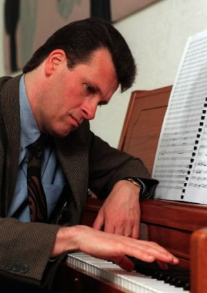 Composer Paulus dies; had long ties to Tucson