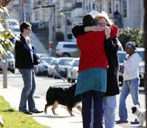 Vecinos recuerdan a niño muerto en explosiones