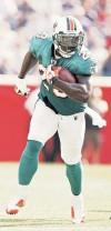 Entra corredor de Dolphins al libro de récords de la NFL