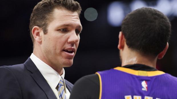 Inside Luke's mind: Lakers coach Walton talks first season, Steve Kerr and Arizona's title chances