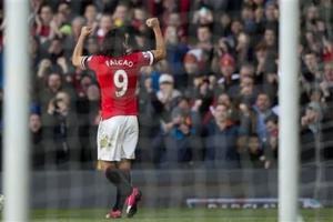 Falcao anota en triunfo de Manchester United