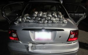 Federal agents make 2 meth busts on Arizona border