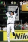 Mariners' ace goes from good to perfect