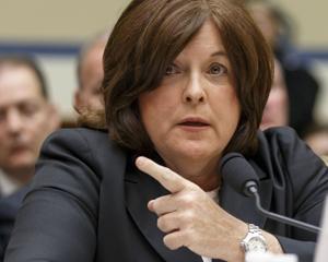 Renuncia la directora del Servicio Secreto