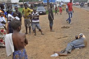 OMS: Urgen 1.000 millones para detener el ébola