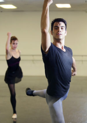 Neto's Tucson: Young Latino embraces power of ballet
