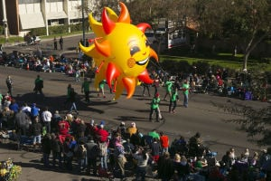Fiesta Bowl parade takes over Phoenix streets