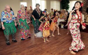 Hula group brings aloha to Tucson seniors