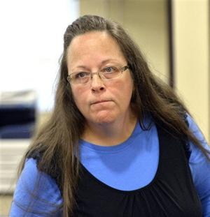 Kentucky county clerk defies court, refuses marriage licenses