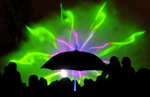 Photo of the day: Fountain light show