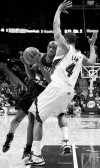 Outlaw's basket in overtime lifts Trail Blazers