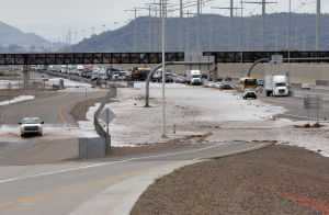Floods force daring rescues in Phoenix area