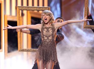 Photos: 42nd annual American Music Awards