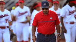 Greg Hansen: Mike Candrea's Arizona Wildcats softball team has swung Territorial Cup rivalry back to Tucson