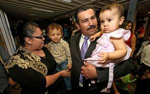 Inmigrante pide refugio en iglesia
