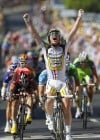 Cavendish wins Stage 5, shows what a difference a day can make