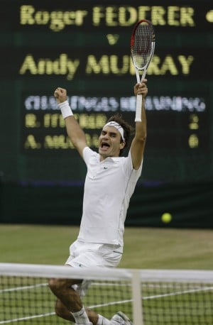 Wimbledon: Roof aids Federer's cause for 7th title