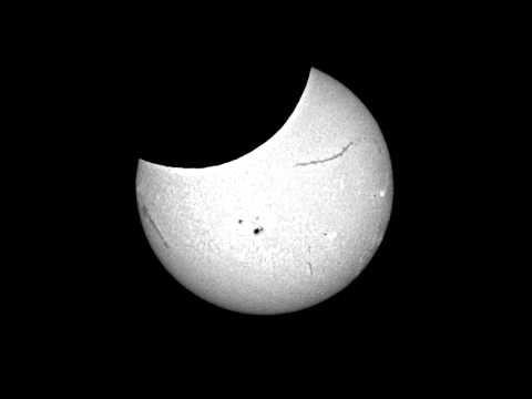 Solar eclipse time lapse
